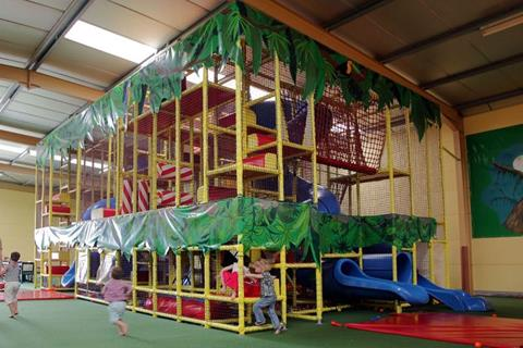In & outdoor speeldorp De Jungle